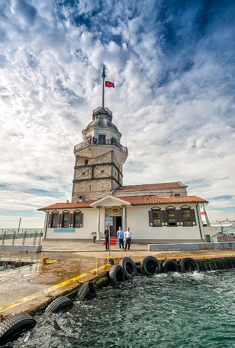 kozzi-14168794-Maidens Tower over Bosphorus river Istanbul-1603x2370